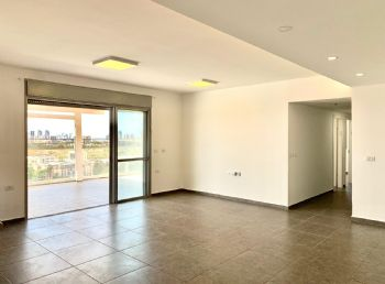 Penthouse for sale in Netanya on Elharizi street